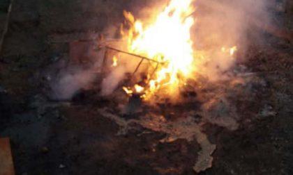 Livorno Ferraris: brucia rifiuti e finisce nei guai