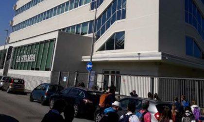 Attacco anarchico con bombe carta e vernice alla Stampa di Torino