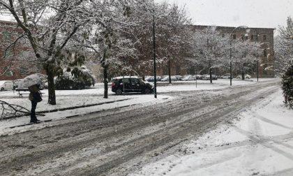 Neve in città: piano attivato ma strade ancora mal messe