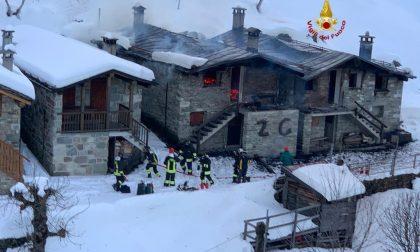 Piode: a fuoco due baite all'Alpe Meggiana