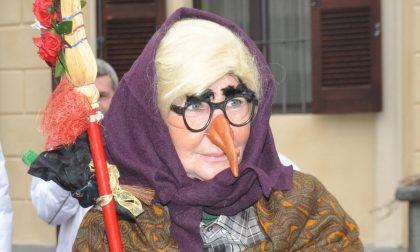 La Befana a Santhià ha trovato il modo di far visita ai bambini