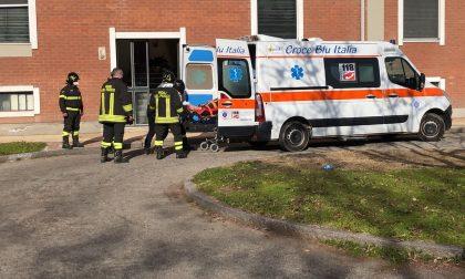 Incidente in casa: donna soccorsa in piazza Medaglie d'oro