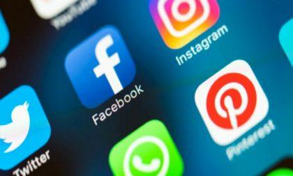 WhatsApp e Instagram down: impossibile inviare messaggi e aggiornare i feed