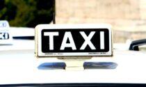 Taxi per i vaccini: trasporto gratis per anziani e disabili