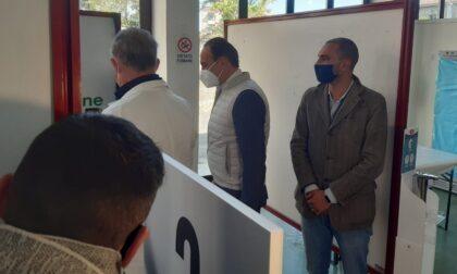 Cirio visita il centro vaccinale di Trino