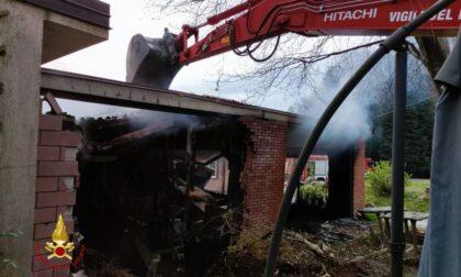 Incendio Varallo: notte di lavoro per i Vigili del Fuoco