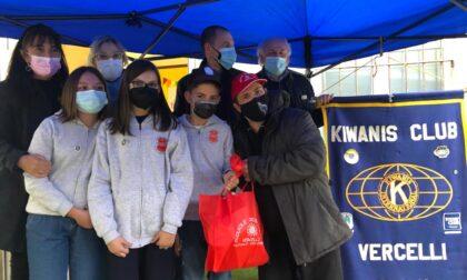 Il Kiwanis Kids incontra il Lupo Bianco per un Service di donazione