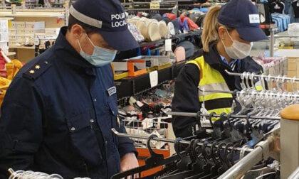 Capi di abbigliamento intimo contraffatti sequestrati a Vercelli