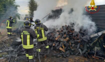 Crescentino: a fuoco sterpaglie e legnaia