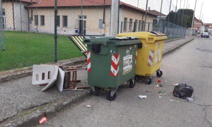 Via Rocciamelone: protesta per i rifiuti in strada
