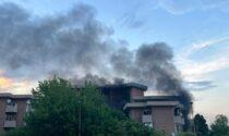 Incendio a Santhià diversi mezzi di soccorso in azione