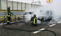 Auto a fuoco sull'autostrada A4