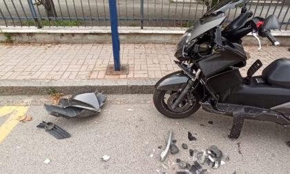 Schianto auto moto, un ferito in ospedale