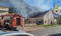 Incendio in una stalla con bovini all'interno: Vigili del fuoco al lavoro