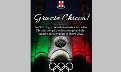Basilica di S. Andrea illuminata col tricolore per Chicca
