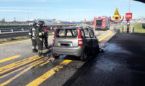 Balocco: auto in fiamme sulla Torino-Milano