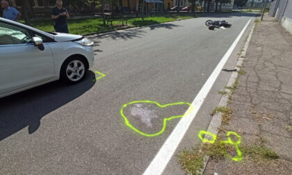 Scontro auto-moto, ferito in codice rosso: le foto