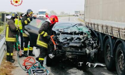 Incidente Santhià: un ferito in codice rosso, vettura accartocciata