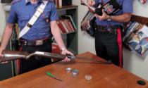 Minaccia di morte la madre e resiste ai Carabinieri: arrestato