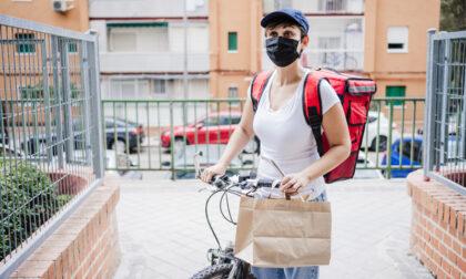 Rider 20enne molestata a Milano dopo aver fatto una consegna