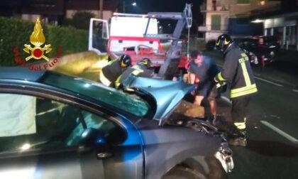 Valsesia: esce di strada, conducente illesa