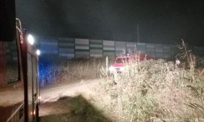 Santhià: incendio sterpaglie e masserizie in località Generala