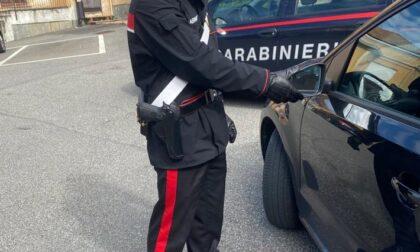 Tentano la truffa dello specchietto, presi dai Carabinieri